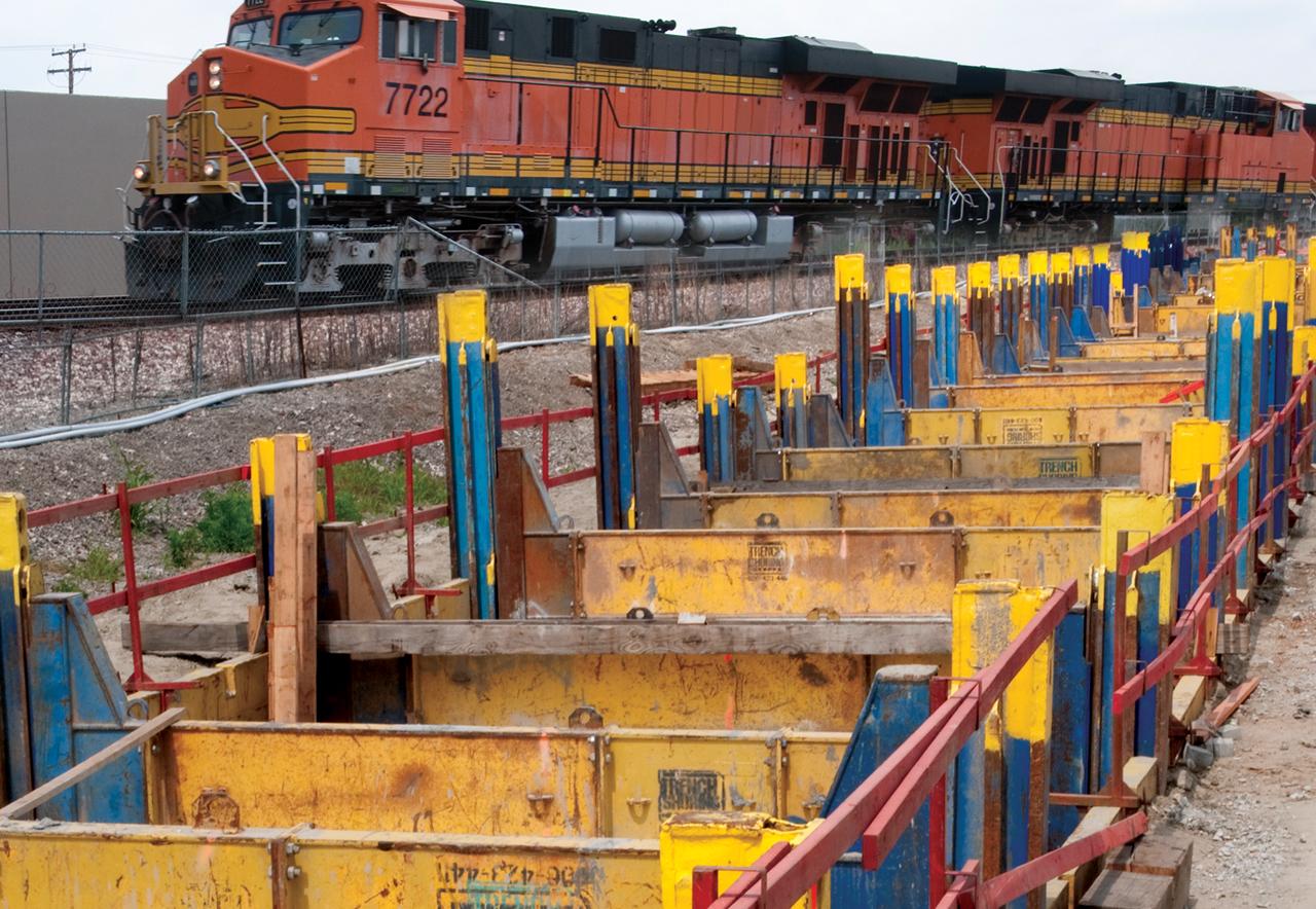 train_slide_rail
